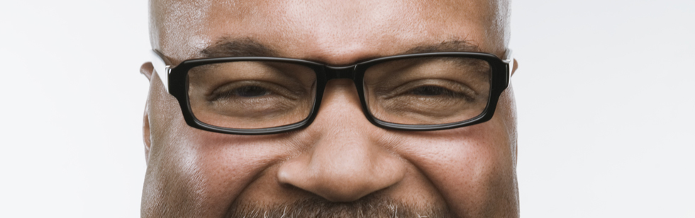 Os óculos refletem a personalidade de uma pessoa   ZEISS Brasil 12695fa1e1